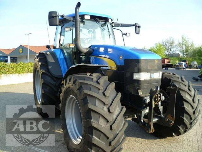 Фотография New Holland TM 175